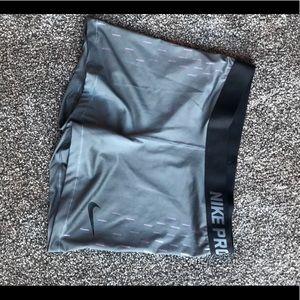 Grey Nike pro shorts size large